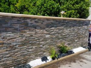 Argol-réalisation-mur-briquettes-parment-300x225