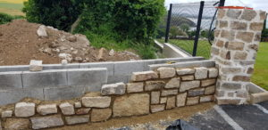 Argol-réalisation-mur-en-pierres-1-300x146