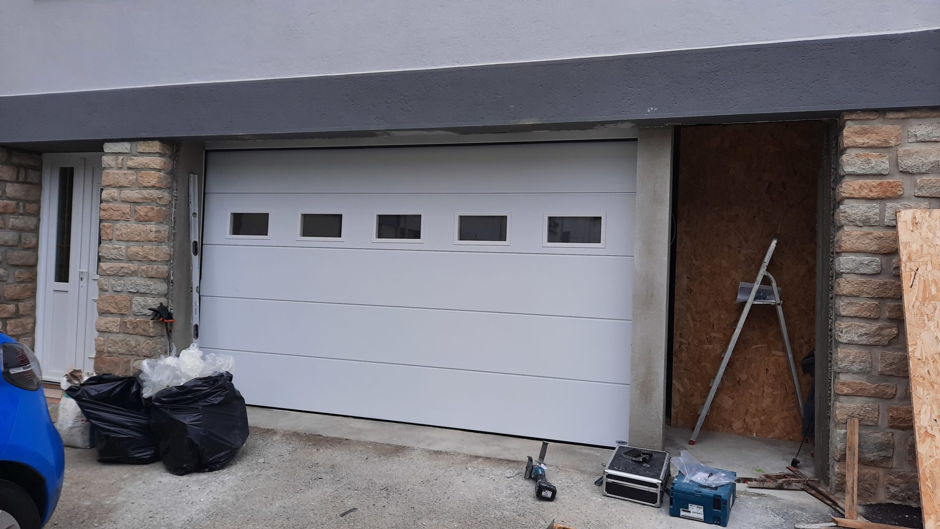 pose-porte-garage-sectionnelle-electrique-quimper