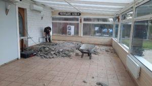 realisation-chappe-en-beton-arme-et-pose-de-revetement-de-sol-restaurant-loasis-plomodiern-7-300x169