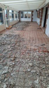 realisation-chappe-en-beton-arme-et-pose-de-revetement-de-sol-restaurant-loasis-plomodiern-8-169x300