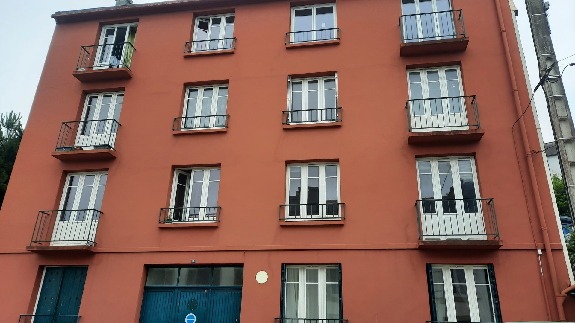 renovation-fenetres-en-cours-de-travaux-chateaulin